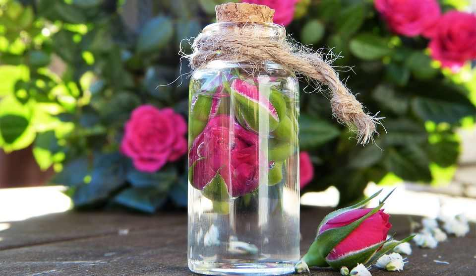 Apply Rose Water to get rid of smelly hair