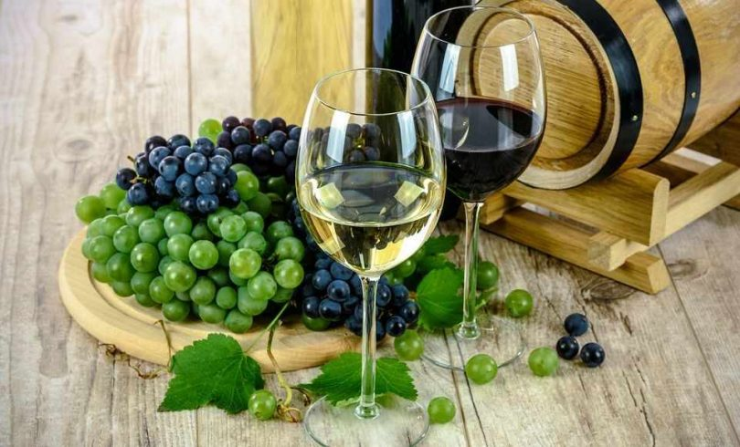 what is the difference between red and white wine