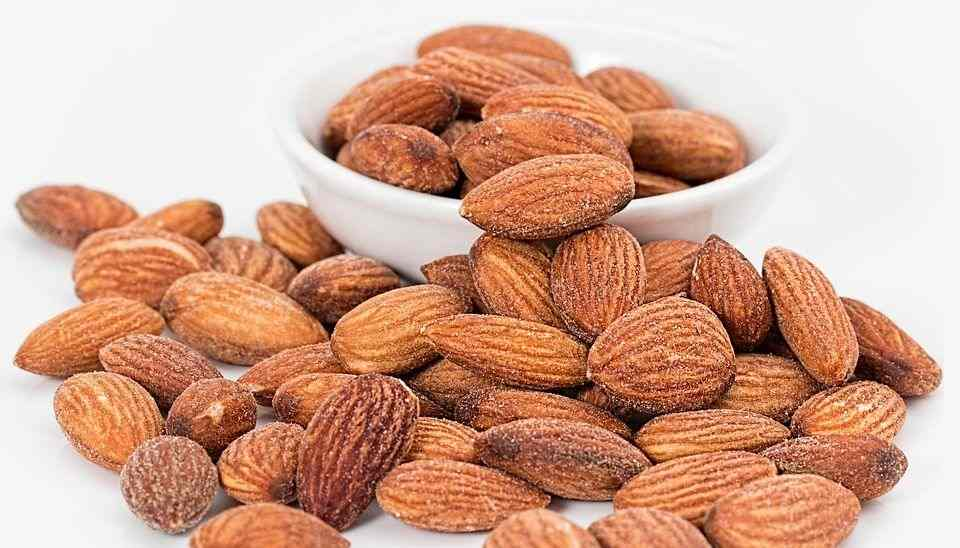 Use Almonds to better sleeping