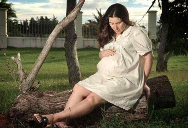 Is It Safe To Do Bleaching Hair While Pregnant