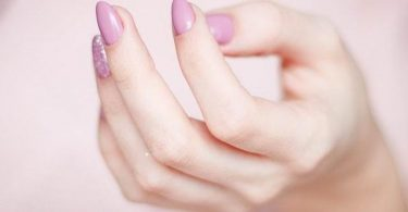 How To Remove SNS Nails At Home With Or Without Acetone