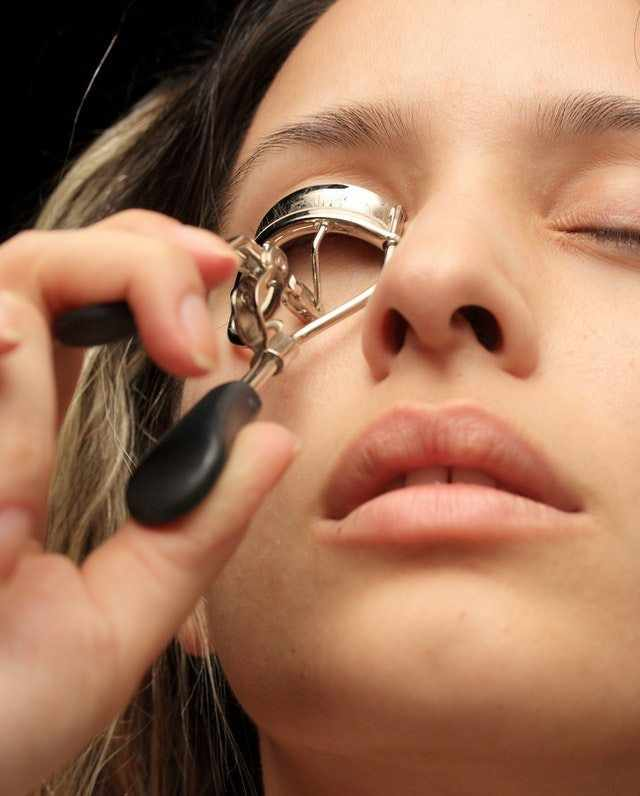 Avoid Eyelash Curlers
