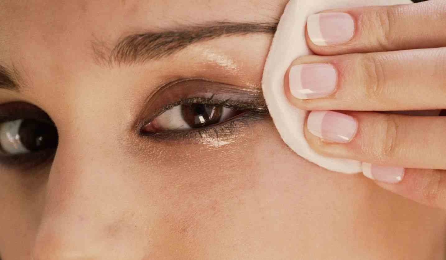 Remove Eye Makeup at Night